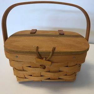 """1999 Longaberger Basket- Small 6-7"""""""